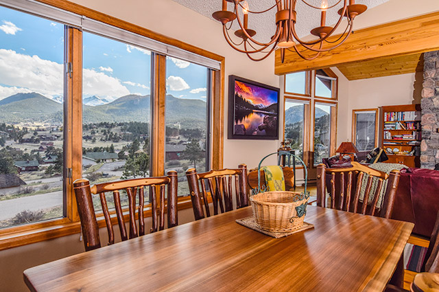 Photo of dining room in Estes Park home